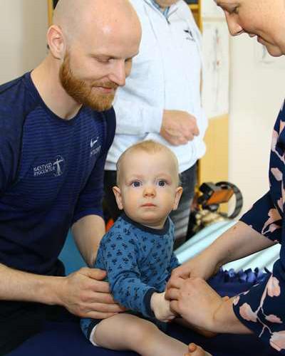 Børnebehandling - Behandling af babyer / børn - Osteopat - Næstved Rygcenter